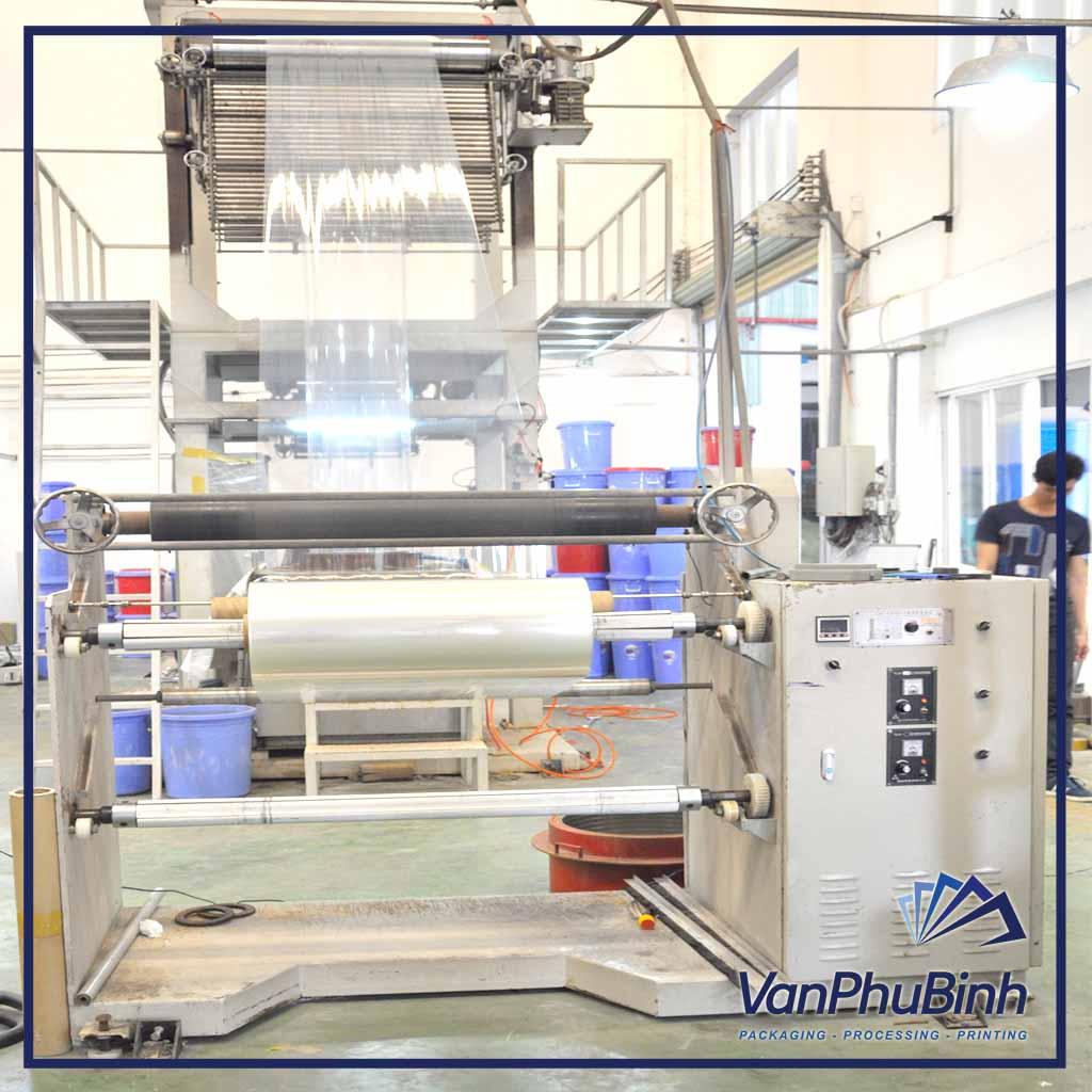 Hệ thống máy móc in màng co tại Vạn Phú Bình
